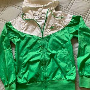 Retro style hooded Nike wind breaker/rain jacket.